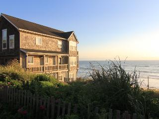 Looking Glass Inn - Lincoln City vacation rentals