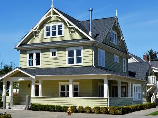 Adeline w- Carriage House - Pacific Beach vacation rentals