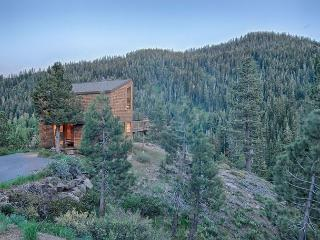 Davos Vista - Sunny Cabin Perched on a Knoll w/Hot Tub and Spectacular Views - Alpine Meadows vacation rentals