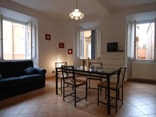 Scanderbeg - 2452 - Rome - Milan vacation rentals