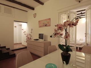 Cellini - 2866 - Rome - Milan vacation rentals