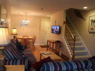 4BR Multi-level condo with balcony and deck - B3 320B - White Mountains vacation rentals