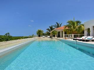 La Favorita - Villa near beaches boasts a pool, modern design & sea view - Terres Basses vacation rentals