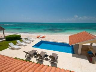 Magnificent Villa Carolina with Air Conditioning, Gourmet Kitchen, Oceanside Pool - Playa Paraiso vacation rentals