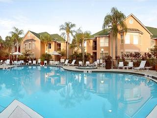 Great condo value in Kissimmee, 10 minutes from Disney, sleeping 6 guests - Kissimmee vacation rentals