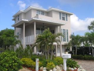 Upscale, Brand New Island Retreat surrounded by lush tropical gardens with Private Heated Pool -  Island Pearl - Fort Myers Beach vacation rentals