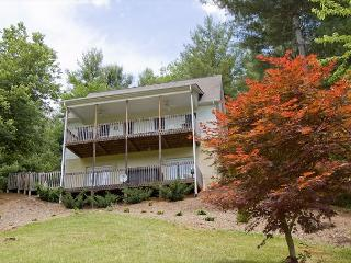 Mountain Views & River Views - Hot Tub - Game Table - West Jefferson - Fleetwood vacation rentals