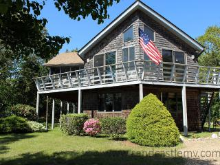 1325 - SUN FILLED HOME WITH BEAUTIFUL VIEWS OF THE LAGOON - Oak Bluffs vacation rentals