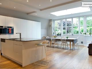 5 bed luxury in Fulham, Finlay Street - London vacation rentals