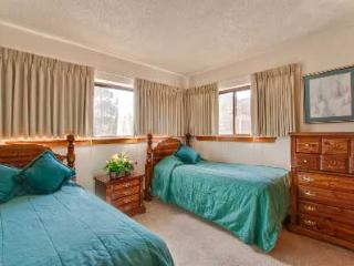 2 Bedroom, 2 Bathroom House in Breckenridge  (13C) - Breckenridge vacation rentals