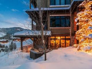 Vintage on the Strand 2 Bedroom Ski-In/Ski-Out at Canyons Resort with Private Hot Tub - Park City vacation rentals
