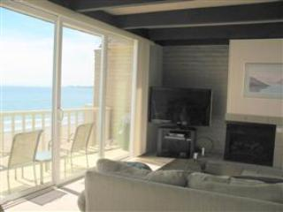 230I/Shore del Mar I *OCEAN VIEWS/ POOL* - Santa Cruz vacation rentals