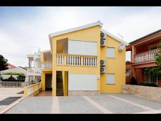 3403 A6(2+2) - Petrcane - Supetar vacation rentals