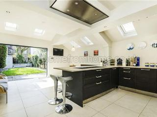 Delightful 4 bed family home in the heart of residential Fulham - London vacation rentals