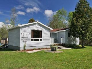 Miller Lake cottage (#859) - Tobermory vacation rentals