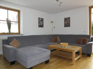Vacation Apartment in Garmisch-Partenkirchen - 1507 sqft, spacious, bright, new (# 5216) - Garmisch-Partenkirchen vacation rentals