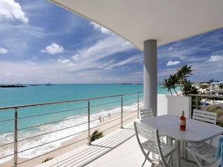 St. Martin Villa 201 Each Of The Two Master Bedrooms And Large Living Area Offers Spectacular Direct Views Of The Caribbean Sea. - Terres Basses vacation rentals