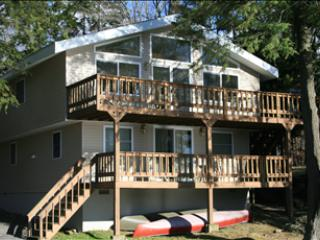 90/55/12 North Arrow Drive 60181 - Pocono Lake vacation rentals