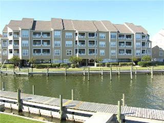 Comfortable soundfront 3BR - Buccaneer Village #822 - Manteo vacation rentals