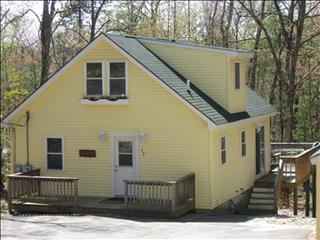 Updated Eidelweiss Home with WiFi 94172 - Madison vacation rentals
