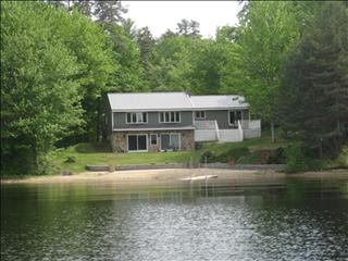 GORGEOUS waterfront home. WiFi, Ossipee Lake 94974 - Ossipee vacation rentals