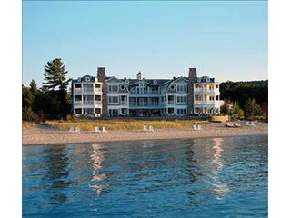 Amazing Condo in Glen Arbor (LeBear Resort & Spa 102202) - Harbor Springs vacation rentals
