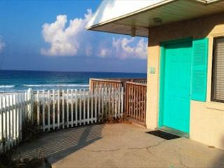 Capri by the Gulf 108, Private Balcony overlooking the Gulf! - Destin vacation rentals