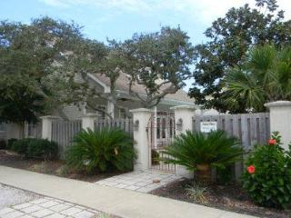 Peace Place, 6BR/5BA house with private pool! Just steps to the Beach! - Destin vacation rentals