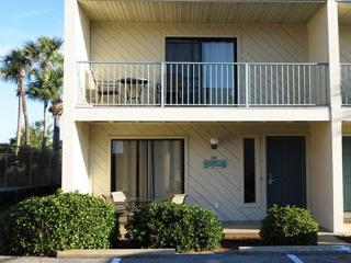Gulf Winds East 42, Looks like a brand new townhouse! - Destin vacation rentals