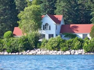 Artists Retreat - DownEast and Acadia Maine vacation rentals