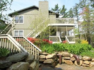Village Green A3 is an inviting condo located on Main Street, Blowing Rock - Blowing Rock vacation rentals