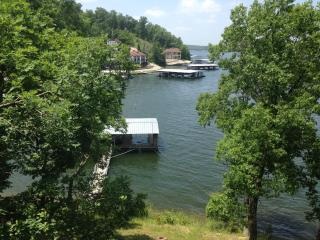 3rd Night FREE for Fall Bookings, wonderful view! - Lake Ozark vacation rentals