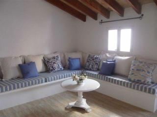 Charming centrally located apartment with terrace - Pollenca vacation rentals