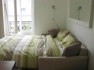 New Studio Flat In Central Paris Saint Germain - 6th Arrondissement Luxembourg vacation rentals