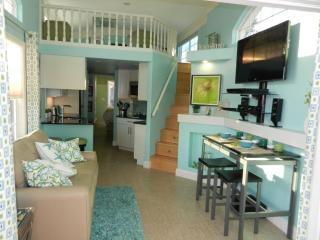 Waterfront Cottage at Florida Keys Resort! - Long Key vacation rentals