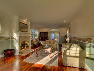 Hollywood Celebrity Estate - Seattle vacation rentals