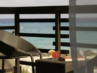 Z3 ach Front Stunning Sea Views- 5min walk to 5 Av - Playa del Carmen vacation rentals