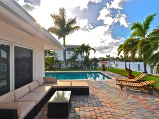 4 BD Luxury Villa on Intracoastal  w/Pool Ft Laud - Miami Beach vacation rentals