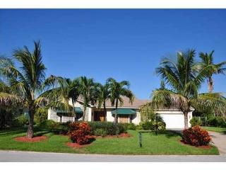 Short Beautiful Walk to Beach from this 3 /3 home! - Juno Beach vacation rentals