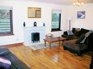 Four Seasons Cottage Beauly Scotland sleeps 6. - Inverness vacation rentals