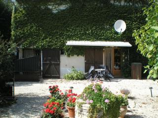 A one bedroom gite near Couhe, South Vienne - Romagne vacation rentals