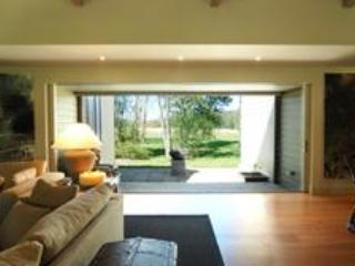 Bi fold doors leading out to a beautiful view - TRANQUILITY IN BERRY - Berry - rentals