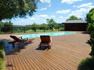 GROVEBROOK FARM AND COTTAGE - Berry vacation rentals