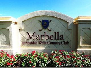 3/2 Golf, Gated, County Club & ONLY 4 MILES TO BCH - Bonita Springs vacation rentals