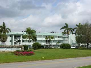 2/2 Only 3 miles to Wiggins Pass Beaches - Bonita Springs vacation rentals