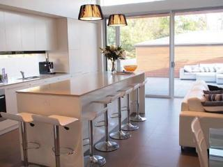 Luxurious Townhouse in North Adelaide - North Adelaide vacation rentals
