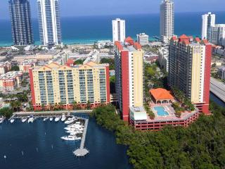 Beautiful 2/2 3 min walk to the beach. OCEAN VIEW - Sunny Isles Beach vacation rentals