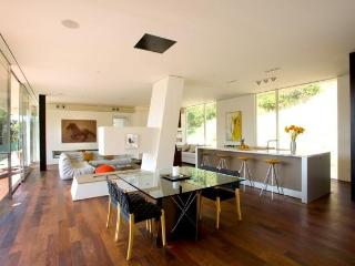 Architectural Masterpiece in Beverly Hills - Beverly Hills vacation rentals