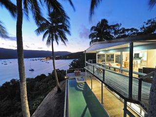 Luxury Two Bed House - Private Infinity Pool / Spa - Airlie Beach vacation rentals