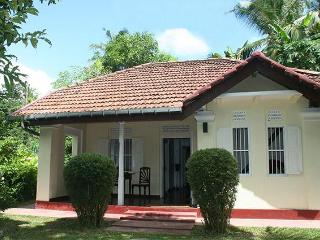 Chilli House- 2-bed house near Galle & the beach. - Galle vacation rentals